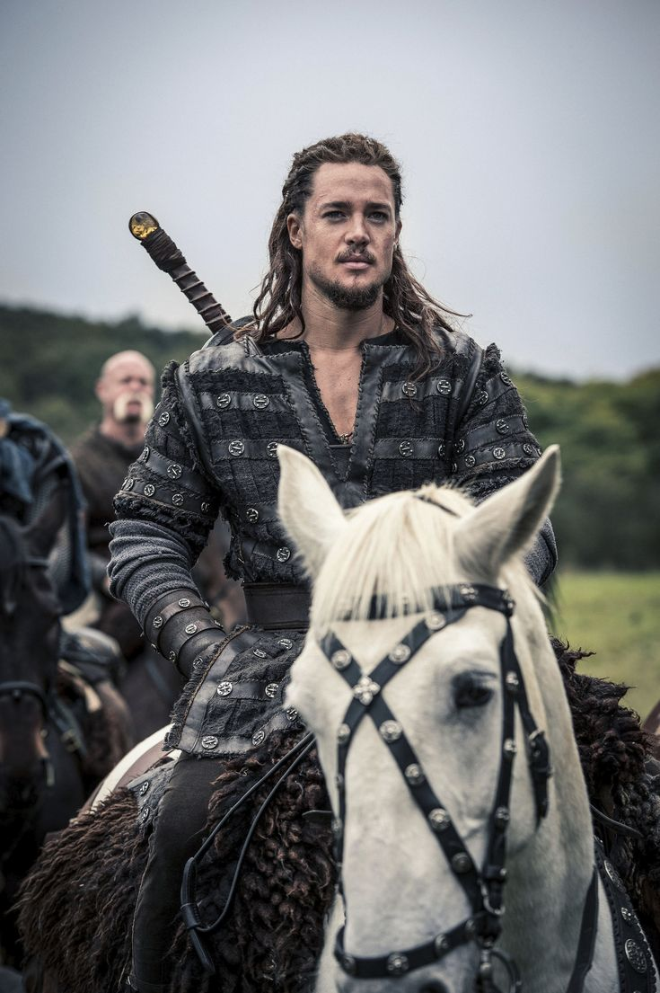 "Alexander Dreymon as Uhtred of Bebbanburg in ""The Last Kingdom"" Season 2 From http://www.farfarawaysite.com/section/lastkingdom/gallery2/gallery7/gallery.htm"