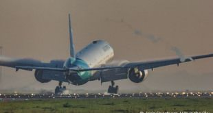 Spotter Sunday: de vroege ochtend Garuda 777 bij touchdown