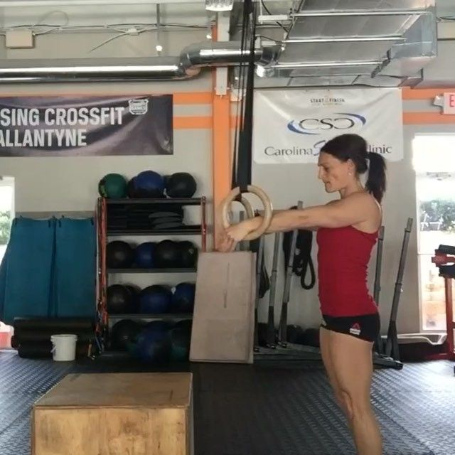 "Day 6/10 #10DaysCFGmuscleups  BOX FALSE GRIP PULL TO TRANSITION   Lead #cfg coach @pamelagnon runs us through this demo to show us setup and execution. We are using the box to take off some bodyweight & it's another great way to learn how to strengthen the false grip. Remember - Strict doesn't necessarily mean ""slow"" - so this drill will help you learn to speed up the pull and get through the transition quicker without using a kip.  1️⃣ In the set-up you want to be in a tight tuck wit..."