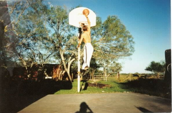 #Sports #Basketball - The #VerticalJump Development Bible Program  http://stephenhon.com/clickbank/cb-store/?vendor=kellyb