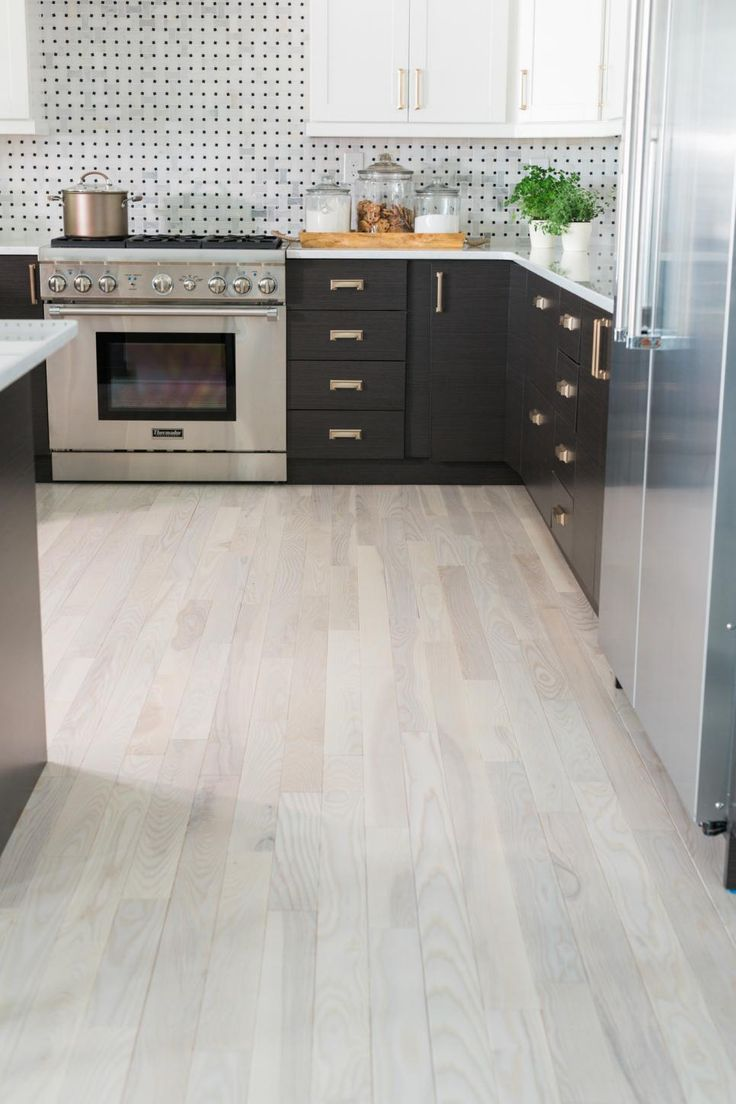 Best 25 white wood floors ideas on pinterest white for White kitchen cabinets with hardwood floors