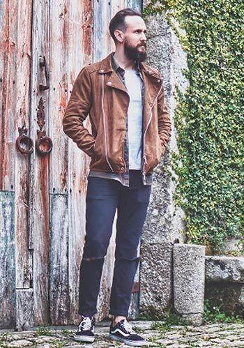【大人カジュアル】黒MA-1×青ジーンズ×キャメル革靴の着こなし(メンズ) | Italy Web