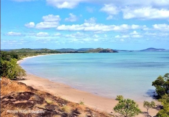This is at the tip of Australia Cape York! The most northern point of the mainland. We were lucky enough to travel the iconic Old Telegraph Track to get to this amazing view.  The track closes during wet season but well worth a trip for the keen adventures! Check out our creek crossing video for more on Cape York. . #capeyork #northernaustralia #australia #travelaustralia #beach #australianbeach #oldtelegraphtrack #fnq #aussiewidetravellers