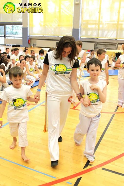 Capoeira pour enfants à paris avec l'association vamos capoeira, cours d'essai Gratuit sur : http://www.capoeira-paris.net/cours-capoeira-pour-enfants-paris.html