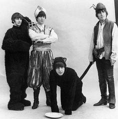 Topito : Top ten des photos où les Beatles ne se prennent pas au sérieux !!!