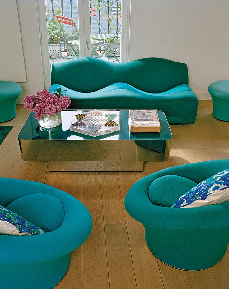 Stunning colors: Pierre Paulin's Mushrooms and ABCD Sofa in the Paris home of Marie-Hélène de Taillac