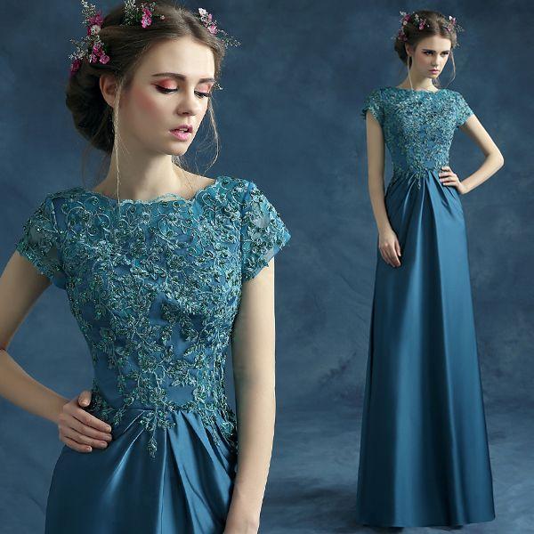 Вышивка на вечерних платьях фото
