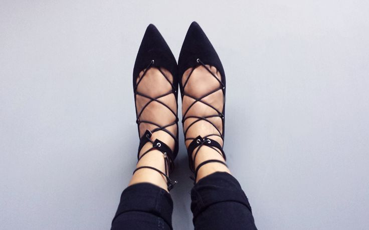 That Grl in High Heels: Tuesday Trend Report: Lace-Up Ballet & Slide-Ons