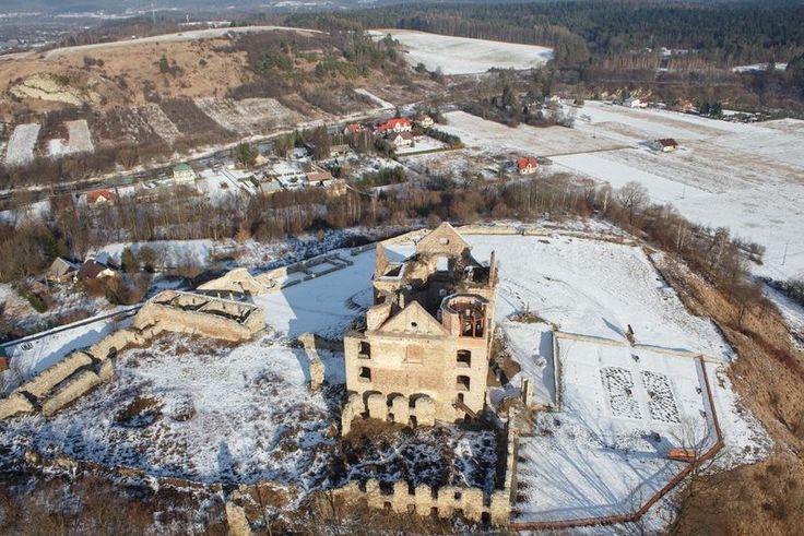Klasztor Karmelitów Bosych w Zagórzu.  http://www.malopolska24.pl/index.php/2014/01/klasztor-karmelitow-bosych-w-zagorzu/
