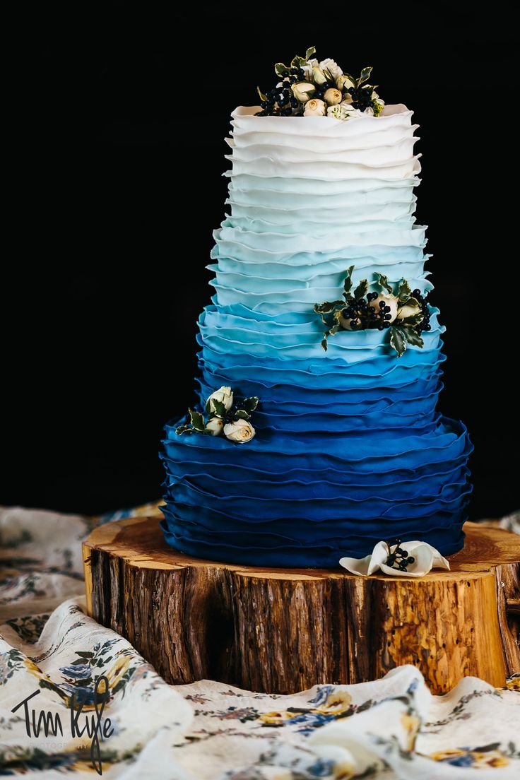 hombre wedding cake blue gradient fondant ruffles wood cake stand base