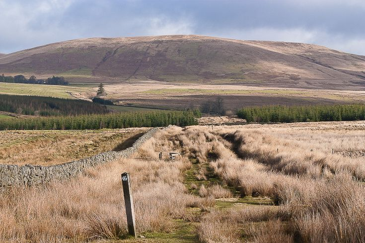 The Scottish National Trail - originally devised by Cameron McNeish - is an unmarked route from Kirk Yetholm to Cape Wrath. Detailed stage descriptions and mapping.