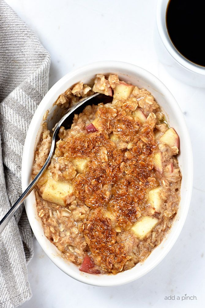 Apple Crisp Oatmeal - Apple Crisp Oatmeal is the perfect combination of everyone's favorite fall dessert and breakfast! Ready in minutes, my apple crisp oatmeal is definitely a family favorite! from @addapinch