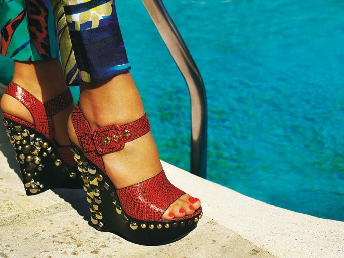 Sandales en python à talons cloutés Louis Vuitton
