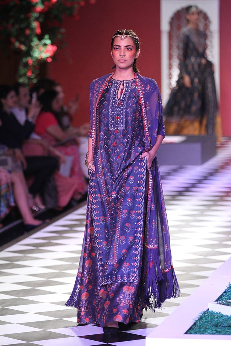 Anita Dongre-india-couture-week-runway-10