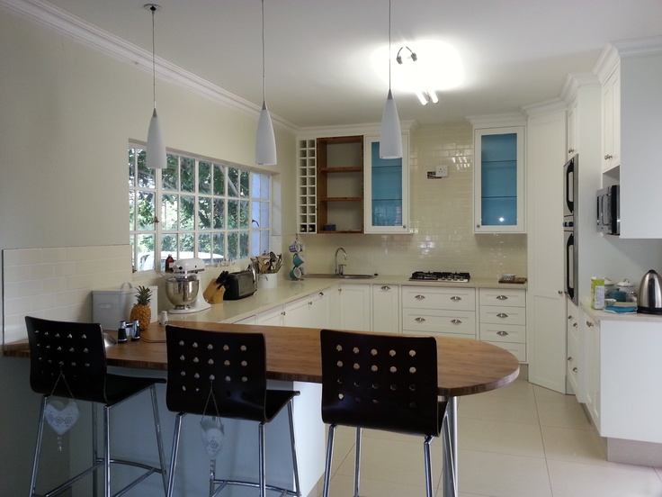 Another one of my favourite kitchens. Melissa added some bamboo for a very earthy touch!