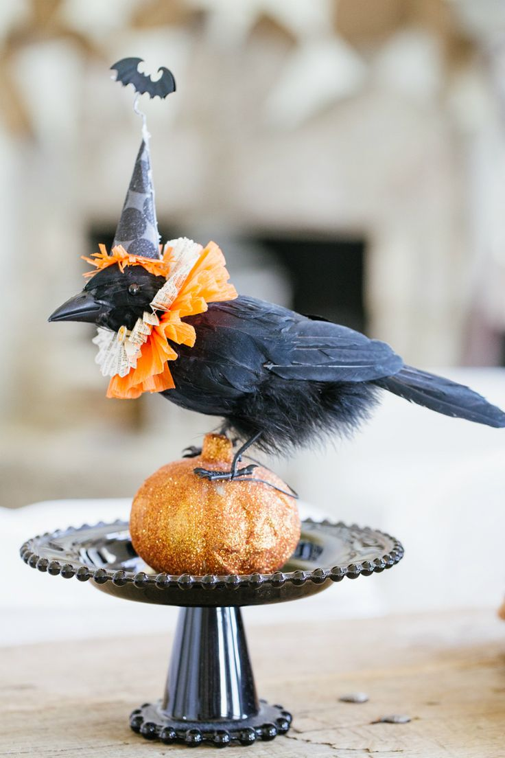 Best 25+ Halloween centerpieces ideas on Pinterest | Halloween ...
