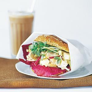 Supergoda, fiberrika frallor som passar jättebra att frysa! Gjorde succé bland kollegorna till frukosten.