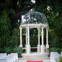 Boulevard Gardens - Indooroopilly. secluded garden settings, gorgeous courtyards surrounded by blooming gardens, trickling water fountain and cascading water feature, all help to create an unforgettably romantic setting in which to enjoy pre-dinner cocktails for your wedding, function or next corporate conference. #wedding #BrisbaneWeddings #Brisbane #BoulevardGardens
