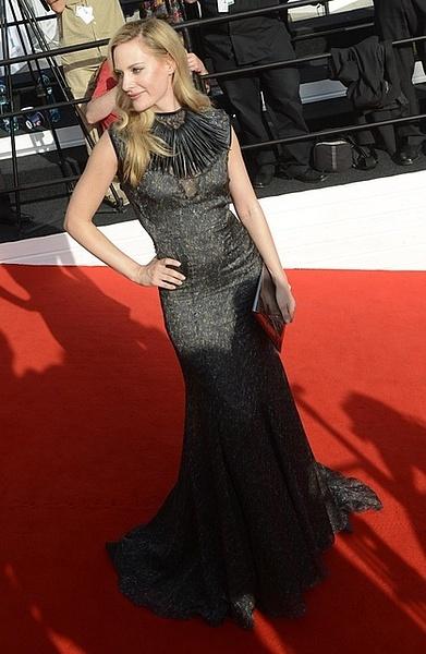 MFFKV: Aimee Mullins na červeném koberci