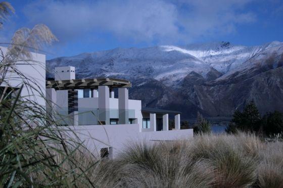 Tiritiri Lodge House, Lake Wanaka in the Southern Alps | Bookabach.co.nz/24123