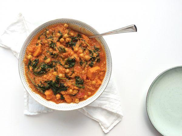 Quinoa curry met kikkererwten en spinazie – Feelgoodbyfood