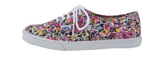 #Vans sneaker with full of flowers