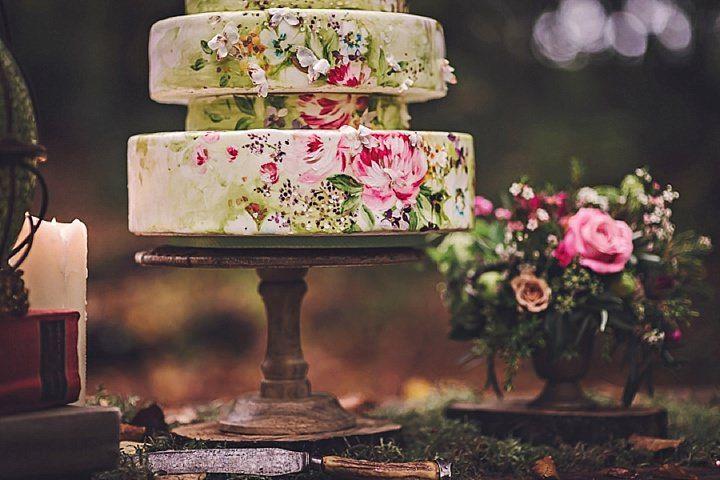 Bohemian wedding ideas - wedding cake and table decoration #rusticweddinginspiration