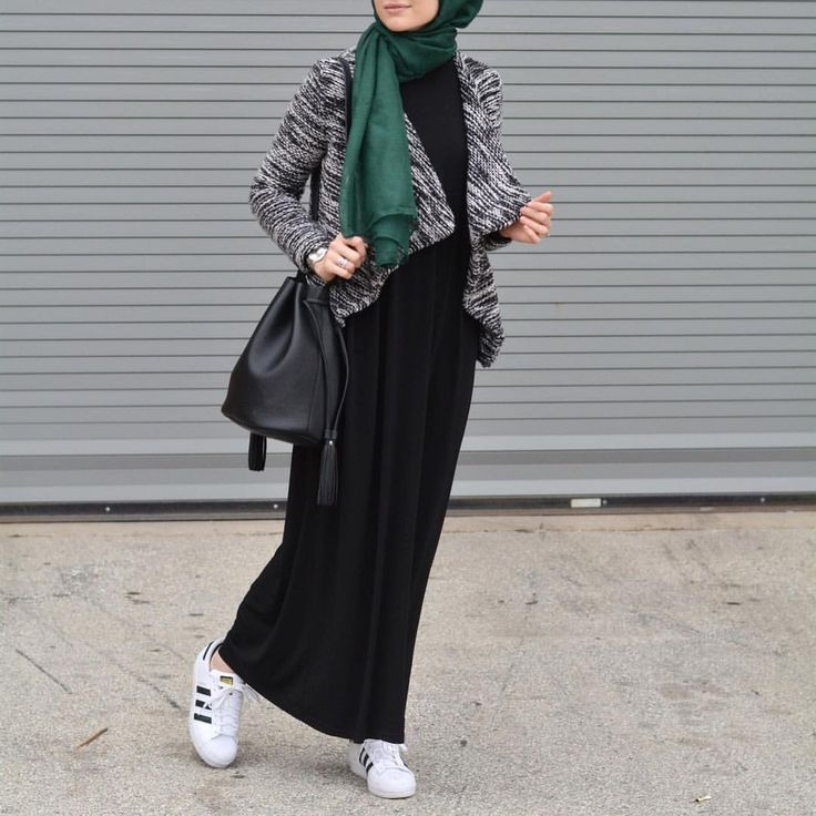 See this Instagram photo by @elifd0gan • 1,762 likes Long black dress | cardigan | hijab | Elif Dogan