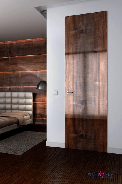 wysokie  brązowe drzwi  PIU Design