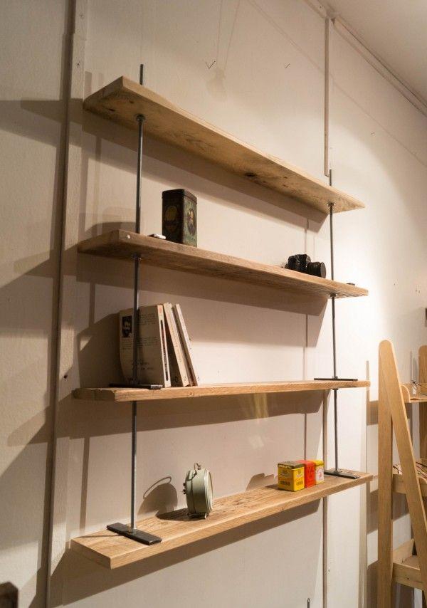 Étagère industrielle en bois de palette et tiges filetées  http://www.homelisty.com/etagere-palette/
