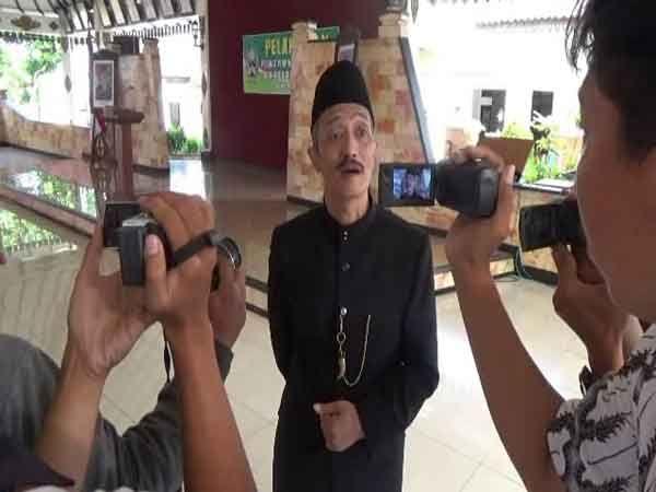 Djoko Wajibkan Baca Al-Quran Sebelum Belajar