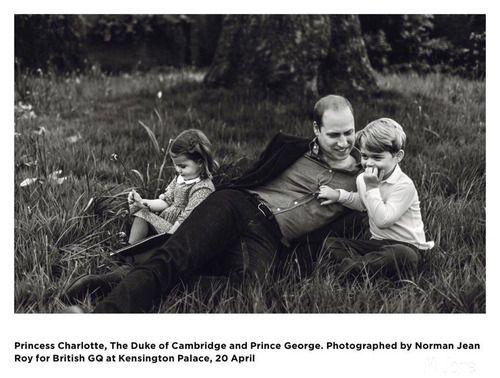 Принц Уильям на обложке GQ и новое семейное фото Кембриджей: Группа В некотором царстве-государстве...