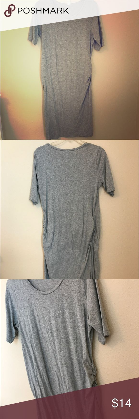 Old Navy Maternity Dress Heather Grey Maternity Dress. SUPER COMFY! Old Navy Dresses Midi