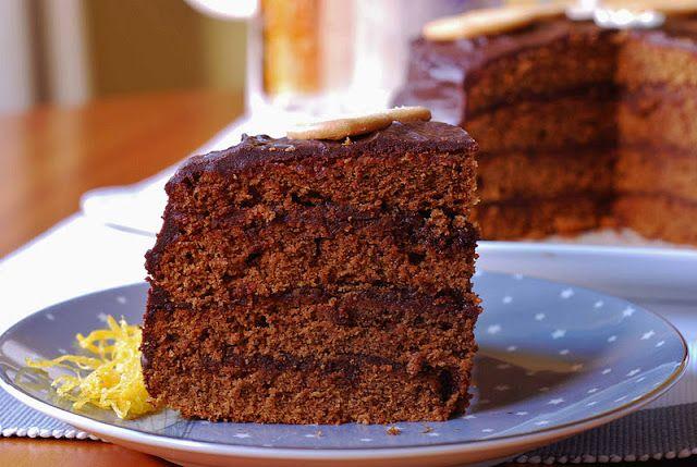 Pastel de moca con glaseado de café. | Cuchillito y Tenedor