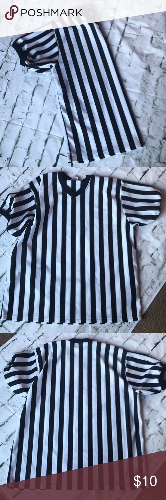 Referee shirt Men's referee shirt in EUC Shirts