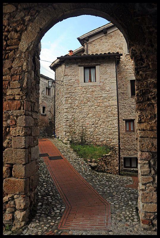 De village of Civitella uno scorcia belongs to de municipality of Scheggino, in de province of Perugia, region Umbria_ Italy