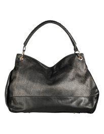 Grosse Leder-Handtasche mit Trageriemen und Umhängekette. #madeleinefashion
