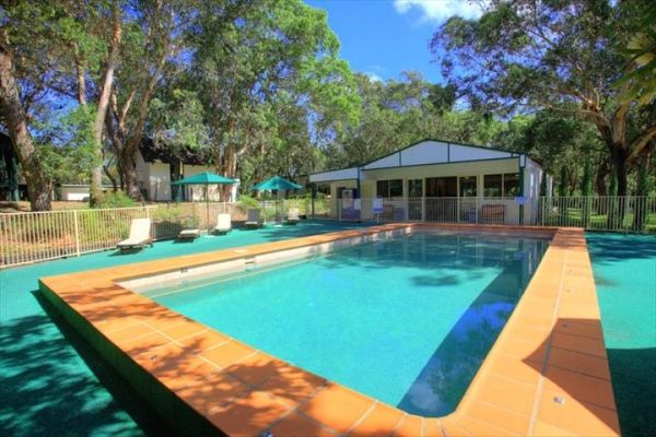 The Retreat #PortStephens is the ideal location for all groups and school camps. With self contained accomodation suitable for all group sizes. Its peaceful nature setting on 4 acres with an in-ground pool, games room, camp fires and covered BBQ areas. Most importantly it has direct access to the sand dunes! #loveportstephens