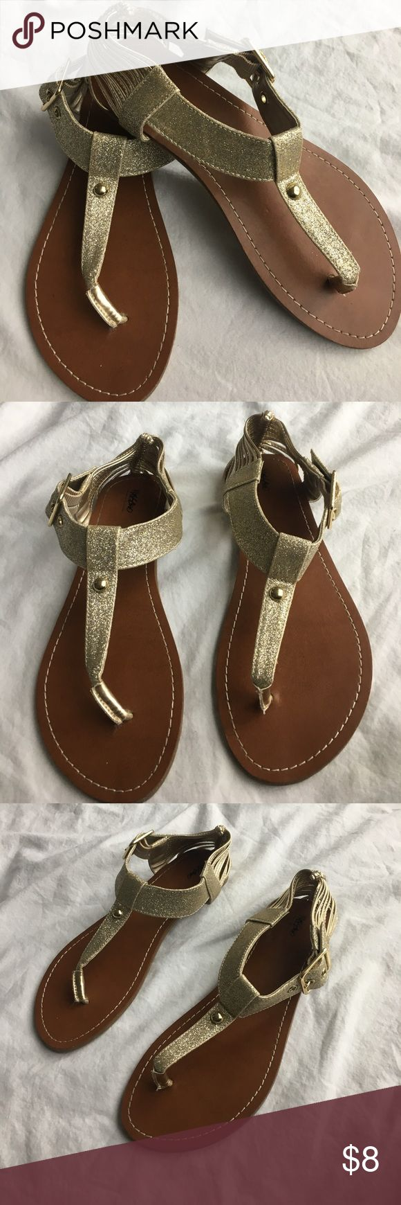 Mossimo Gold Sandals Size 6.5 Mossimo gold sandals. Very cute! Perfect for the summer. Great condition. Barely worn. Mossimo Supply Co Shoes Sandals