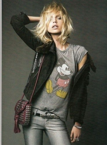 Oh Mickey your so fine. Mickey Mouse tee chic. I must have this!