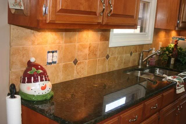 verde butterfly granite backsplash ideas show me your stained cabinets with contrasting countertop kitchens kitchen remodel pinterest granite - Kitchen Counter Backsplash Ideas Pictures