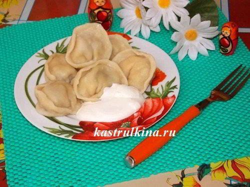 Домашние пельмени из заварного теста с необычной начинкой - из мяса и грибов. Рецепт с пошаговыми фото.