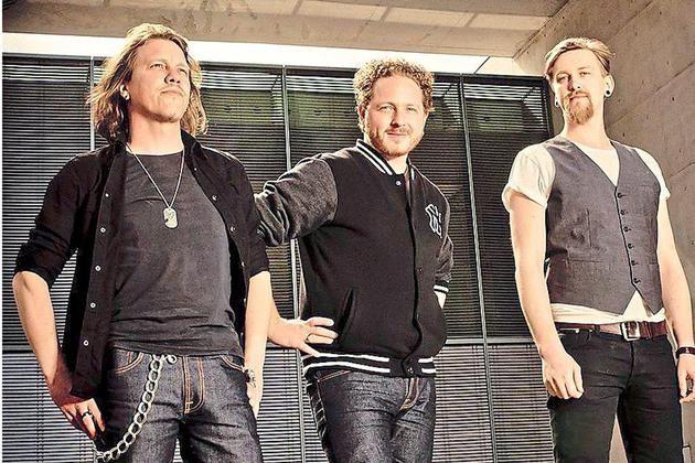 """""""Eat The Gun"""": Drummer Gereon Homann, Sänger und Gitarrist Hendrik Wippermann und Bassist Peter Bergmüller (v.l.) bringen Ende August ihr fünftes Album auf dem Markt, das sie auch auf zwei Konzerten in Münster vorstellen."""