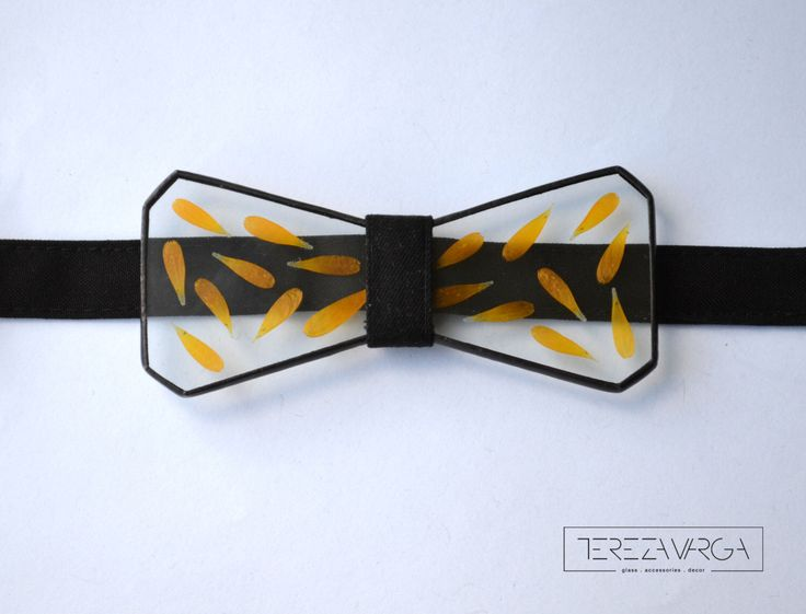 Glass bow tie Herbarium accessory Stained glass Floral art Bow tie Unisex bow tie Botanical art Fashion accessories Pressed flower bow tie by VargaTereza on Etsy https://www.etsy.com/listing/270696171/glass-bow-tie-herbarium-accessory