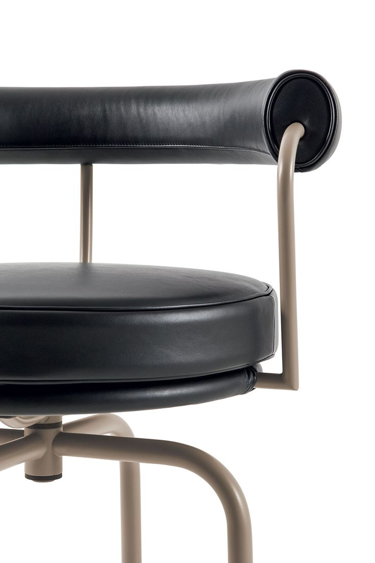 Le corbusier furniture celebrate le corbusier top 5 most famous works - This Year Cassina Celebrates The 50th Anniversary Of The Iconic Lc Collection Along With The