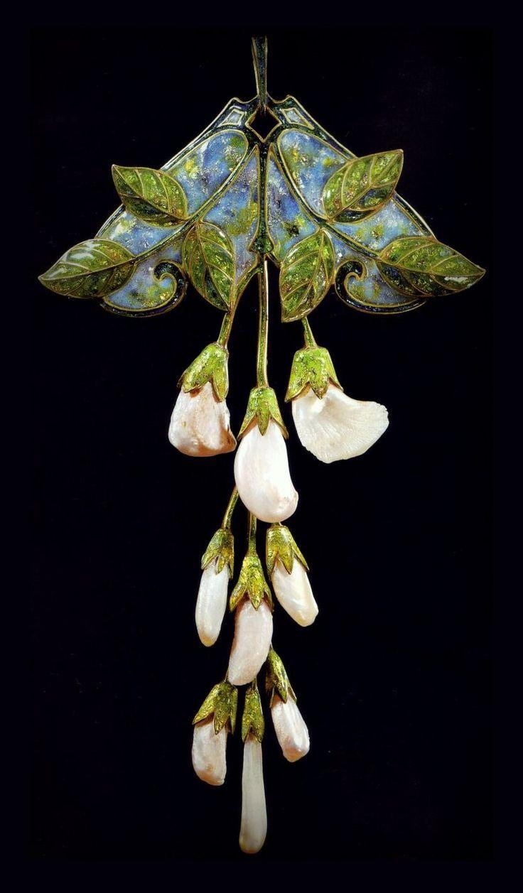 Georges Fouquet   Art Nouveau  Pendant / Brooch.