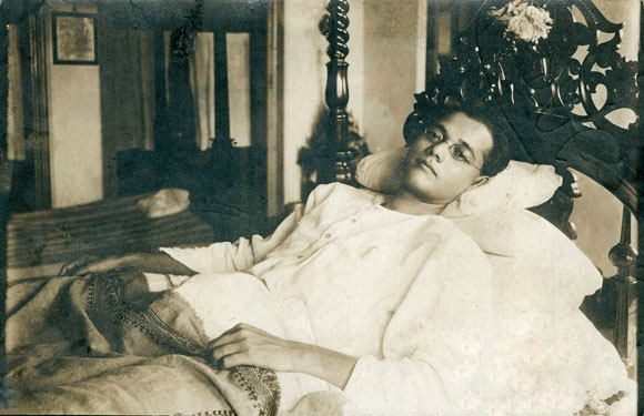 Here's Subhash Chandra Bose at his residence in Calcutta during late 1920s.