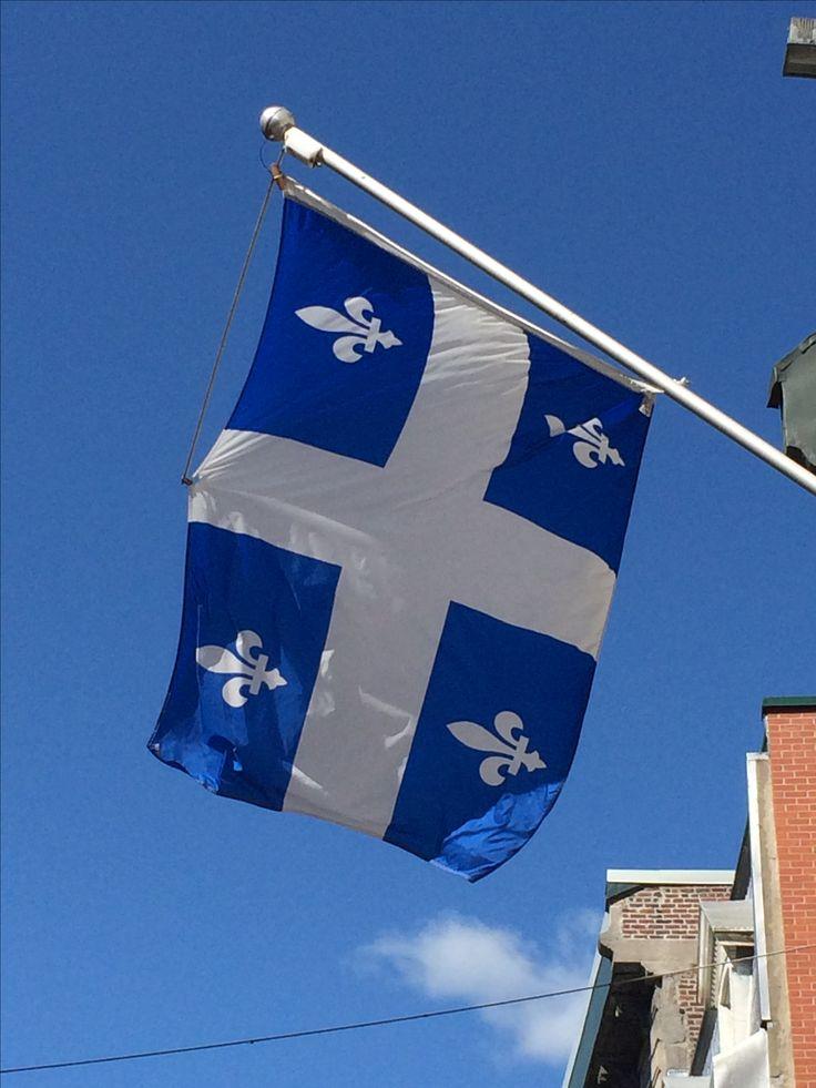 Le Fleurdelisé, the flag of the Province of Québec, in Old Montréal. #quebec #montreal #canada #flag #travel #drapeau