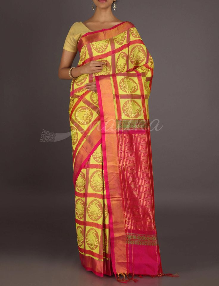 Kirti Bold Checks With Captive Motifs Smart #MangalgiriSilkSaree