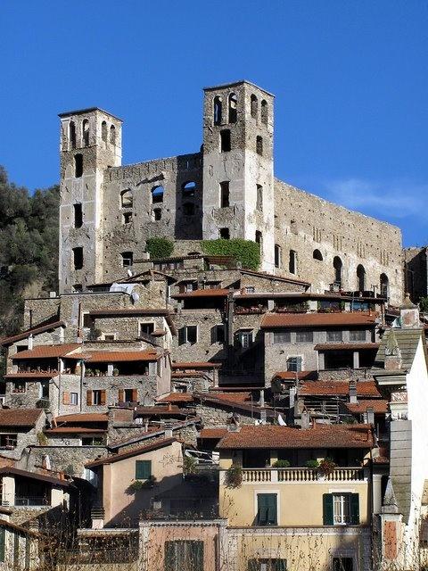 Dolceacqua (IM), Castello Doria